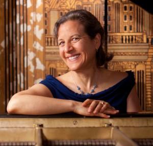 Portrait of Jessica Roemischer